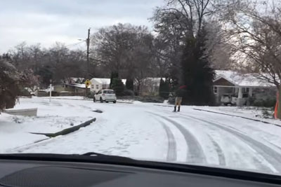 This Is What People Do When Snow Falls In Raleigh, North Carolina