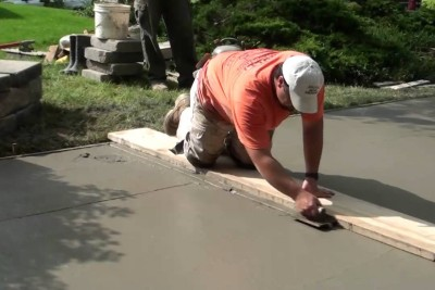 When Professionals Pour Concrete On Driveway, It's So Satisfying To Watch