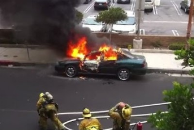 Car Explodes in Los Angeles Right In Front Of Firefighter And He Doesn't Even Flinch