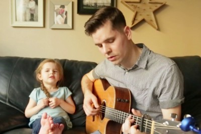 Dad Starts To Sing To His 4-Year-Old Daughter. When She Joins Him, It's Pure Magic!