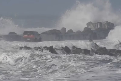 Driving On Humboldt Bay's North Jetty Is Not A Smart Idea