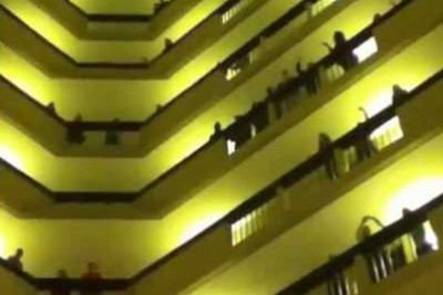 The Kentucky All State Choir Takin Over The Hotel And Busting Out An Amazing National Anthem