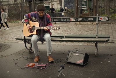 Listen To This Beautiful Guitar Loop In The Middle Of Paris