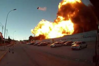 Huge Explosion In A Chlorine Factory In Spain Captured On Camera