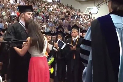 Touching Graduation Ceremony Moment Is Going Viral With Over 70 Million Views In A Day