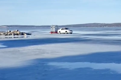 Driver Makes Unfortunate Choice To Drive On Thin Ice, Takes Unexpected Polar Plunge