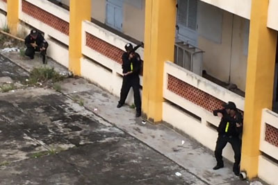 Amazing Vietnamese Swat Team Has Unique Way Of Scaling a Wall