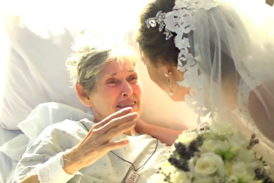 Grandma Was Too Sick For The Wedding, So They Brought The Wedding To Her