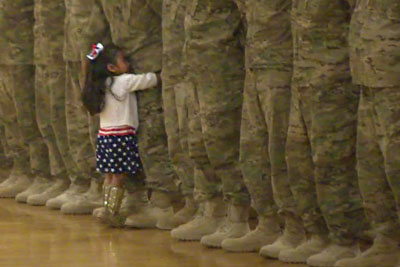Little Girl Spots Her Soldier Dad And Immediately Interrupts Homecoming Ceremony To Hug Him
