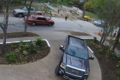 Thief Gets Chased Down By Posse Of Construction Workers From Dallas