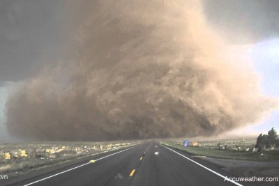 Extreme Up-Close Video Of Tornado Near Wray In Colorado