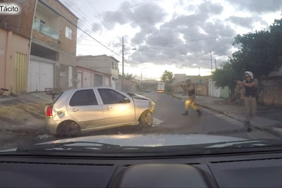 Brazilian Car Thieves Crashes After 10 Minute Long Chase