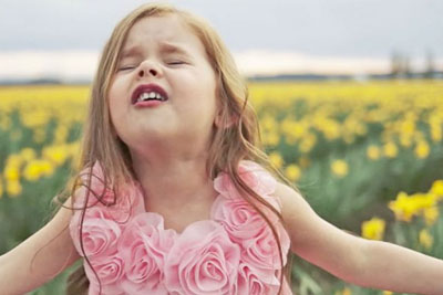 Angelic 4-Year-Old Will Bring You To Life With Heavenly Easter Hymn
