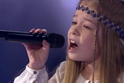 """When This Kids From Russia Sing """"Hallelujah"""" Song, It's Like Being In Heaven"""