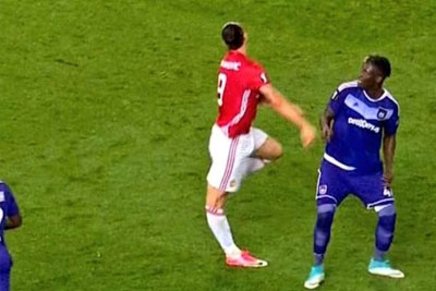 Zlatan Ibrahimovic Suffers Horrific Knee Injury, His Carrer Might Be Over