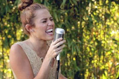 "You Will Be So Impressed When Miley Cyrus Sings ""Jolene"" Song"