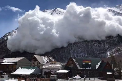 Incredible Video Of Snow Avalanche Captured In Russia