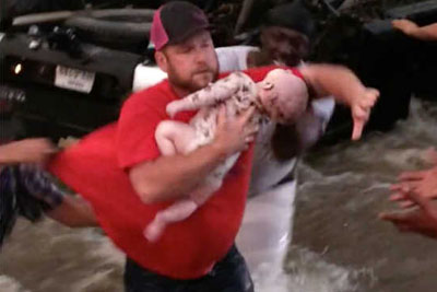 Watch As Texans Frantically Cry Out To God During Dramatic Rescue Of Two Trapped Babies