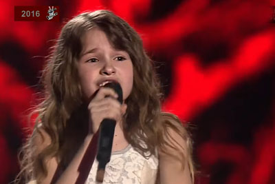 8-Year-Old Russian Girl Sings Adele's 'Hello' Song, Leaves Everyone With Chills