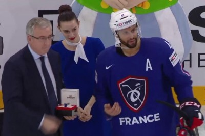 NHL Star Refused His MVP Award, Gave It Away To A Player Who Deserved It