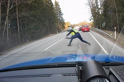 Estonian Police Officer Stops The Getaway Driver Using His Lighting Speed Skills