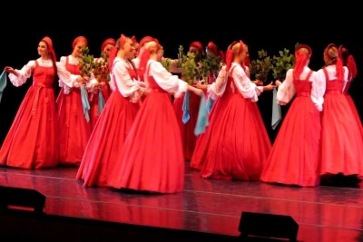 This Traditional Russian Dance Will Left You Speechless. You've Never Seen A Dance Like This!