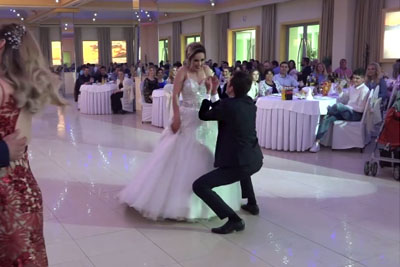 WATCH: Best Man Steals Whole Attention With His Hilarious Dance After The Wedding