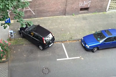 This Female Driver Is Having Some Big Problems While Trying To Park Her Car