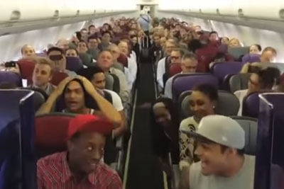 Passengers Have No Idea Cast Of Musical Is On The Plane, Until Two Of Them Start To Sing