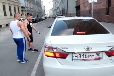 They Didn't Want To Move Their Cars, Then Group Of Bodybuilders Came By