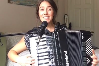 "She Covers Taylor Swift's ""Shake It Off"" On Accordion, Her Performance Is Angelic"