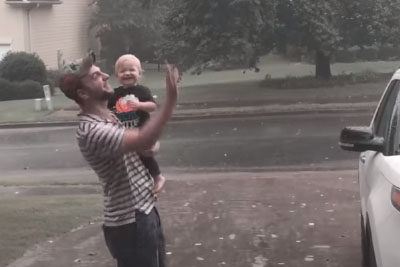 Do You Love First Summer Rain? This Video Of Toddler Enjoying It Will Steal Your Heart
