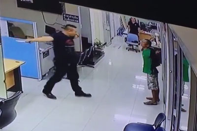 Thai Policeman Stops Desperate Knife-Wielding Man With Something Unexpected