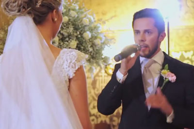 Man Sings Emotional 'Hallelujah' To His Bride, Then She Gets Another Surprise From The Audience