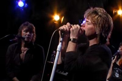 "Millions Of People Are Overwhelmed When Bon Jovi Sings ""Hallelujah"" Like This..."