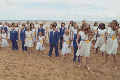Children Gather On The Beach For Powerful Tribute Performance That's Touching Hearts Worldwide