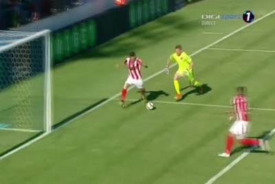 Goalie Makes A Huge Mistake, Opposing Striker Immediately Makes A Far More Embarrassing One