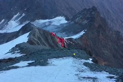 Shocking Helicopter Crash Captured On Camera In Mountains In Grossglockner, Austria