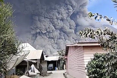 Mount Sinabung Spews Volcanic Ash Over 2 Miles High in Latest Eruption