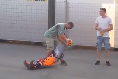 This Clown From Barcelona Might Be The Best Entertainer You Will Ever See