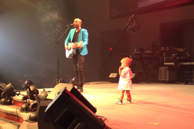 Baby Runs Out To Give Daddy A Hug, Immediately Steals The Show Debuting His New Dance Moves