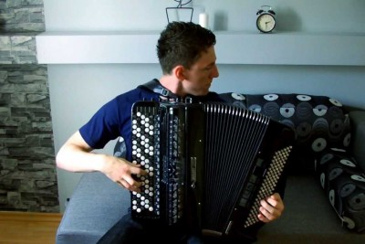 Polish Guy Takes His Accordion In Hands, Plays Tetris Theme In Best Way Possible
