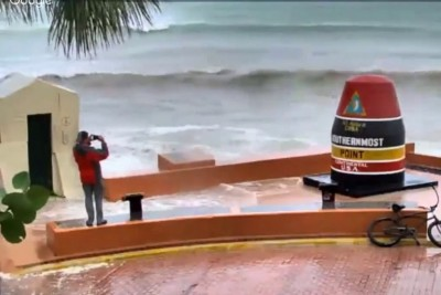 Guy Taking Pictures Of Hurricane Irma Gets Blasted By The Storm Surge