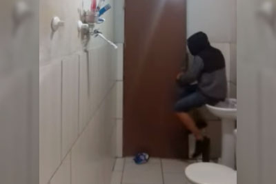 Rat Came Into This Boy's Bathroom. Just Wait To See His Hilarious Reaction!
