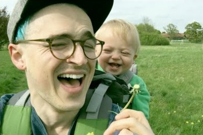 Father Blows A Dandelion Next To His Baby. Just Wait To See Baby's Hilarious Reaction!