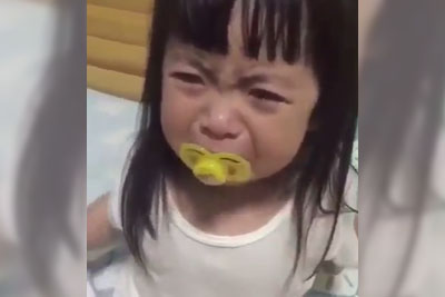 Adorable Little Girl Steals Whole Show When Crying, Footage Is Going Viral
