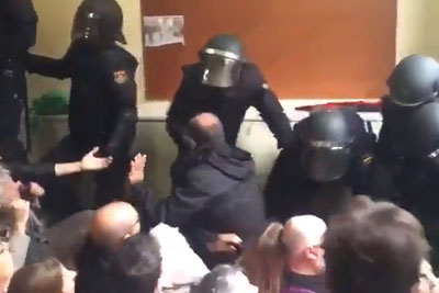 Spanish Government With Violence Against Voters, This Is Shocking Footage