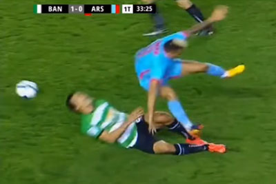 Football Player Makes A Horrific Faul, He Deserves A Prison For This