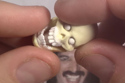 Sculptor Grabs A Small Skull In Hand. Just Wait To See The Result At The End!