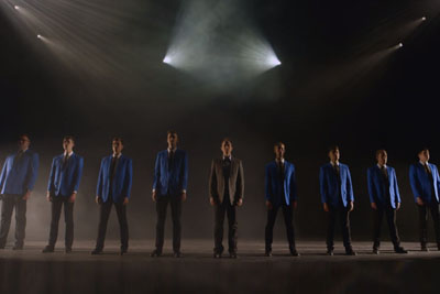 10 Handsome Men Start Singing This Classic, Within Moments Cover Everyone In Goosebumps